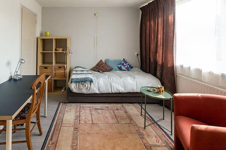 Kamer in rustige woonwijk bij Catharina ziekenhuis