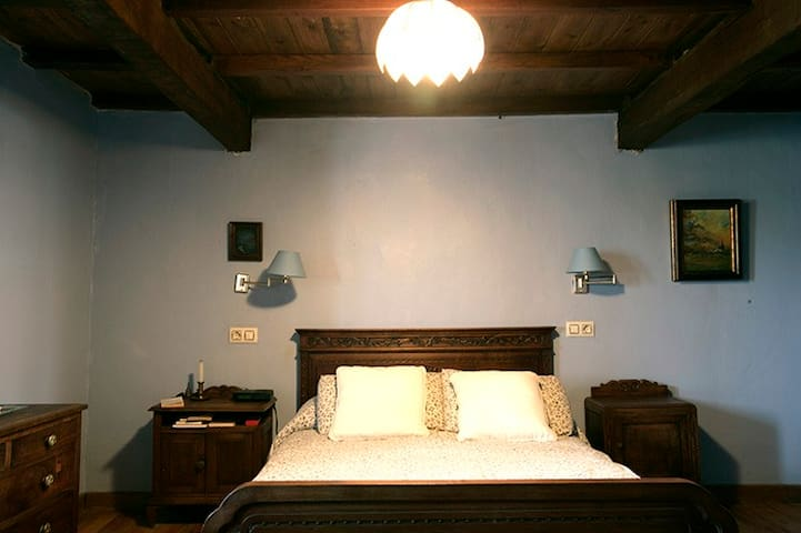 Habitación doble: 1 cama de 1,35 cm