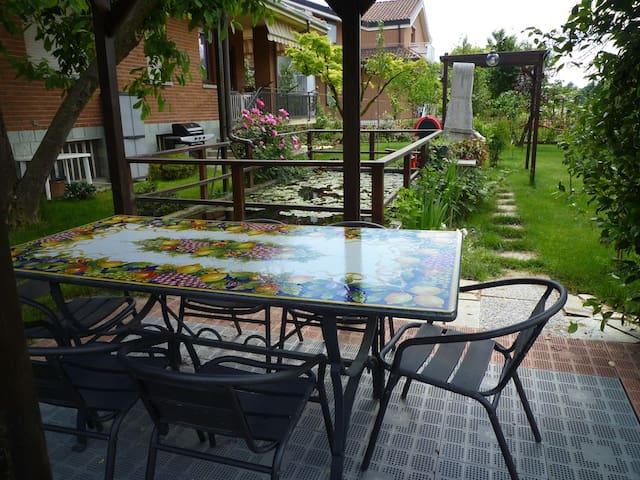 LA TAPPA - appartamento in villa con giardino