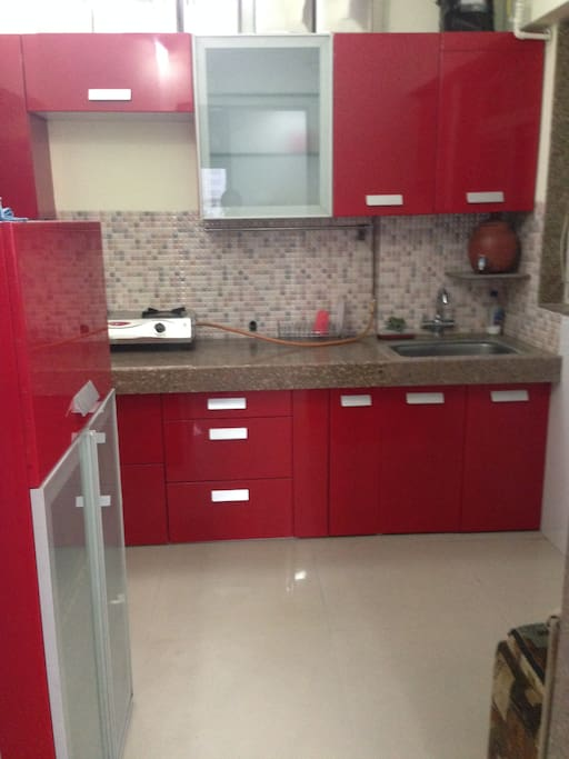 Fully Furnished Modular Kitchen!