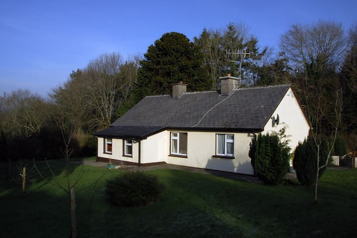 Peaceful & Relaxing, Country Cottage - Nenagh - Hus