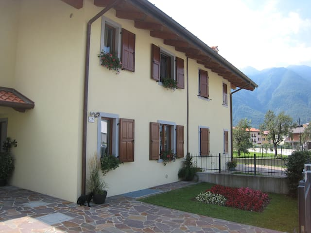 CONFORTABLE ROOM NEAR ZONCOLAN (1) - Villa Santina - Bed & Breakfast