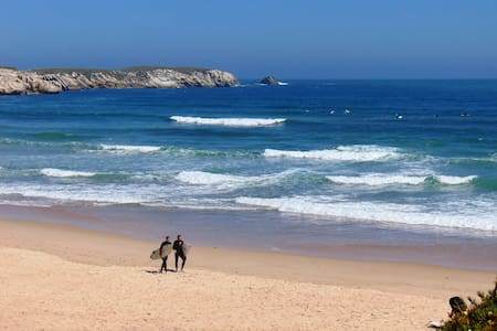 Beach Apartment - Walk to the Bay - Peniche - Appartamento