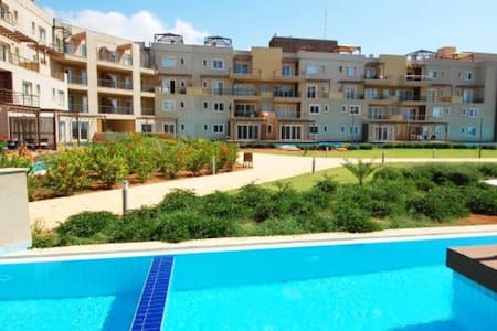 Beautiful 3bd  flat w/private pool - Bafra - Leilighet