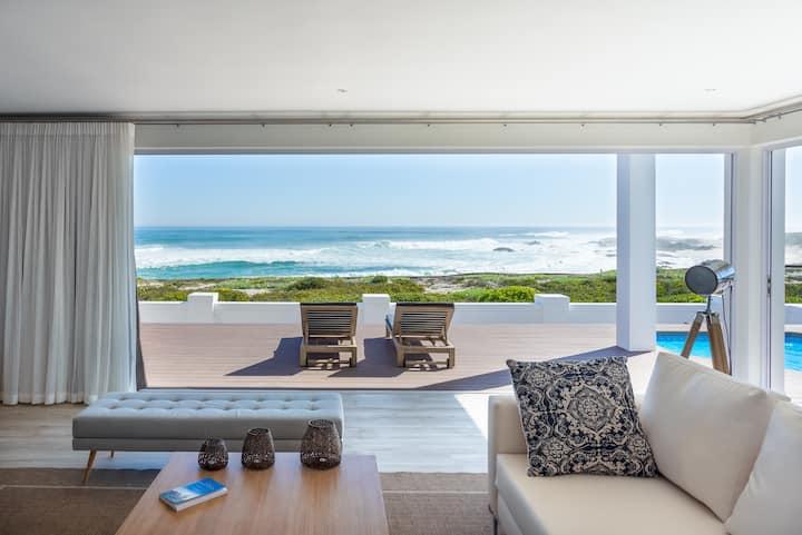 Beachfront Villa Die Duyker