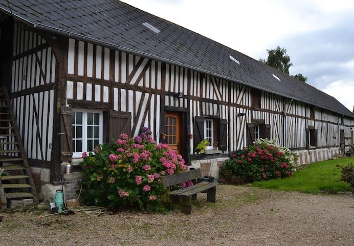 Longère normande 3* - Le Gros-Theil - Huis
