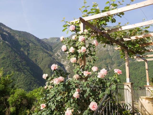 Logement indépendant  face montagne - Villars-sur-Var - Casa