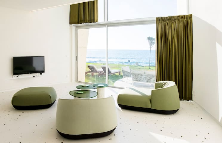 The Olive Villa 3 - Seafront Duplex