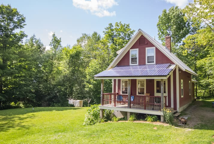 Red Acre Cottage in the Green Mountains of Vermont