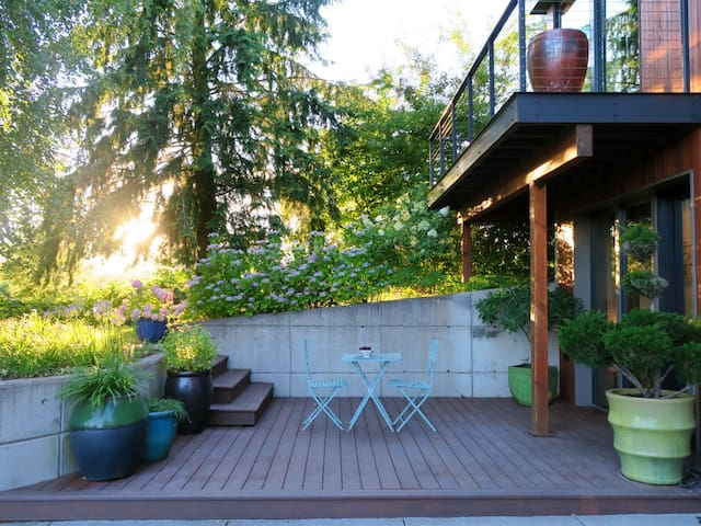 River Island Farm Retreat (near downtown Portland) - Portland - House