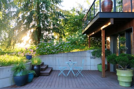 River Island Farm Retreat (near downtown Portland) - Portland - Ház