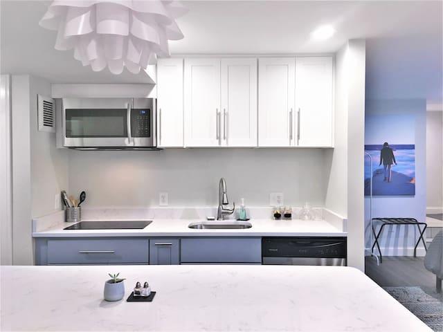 New Modern Studio Suite