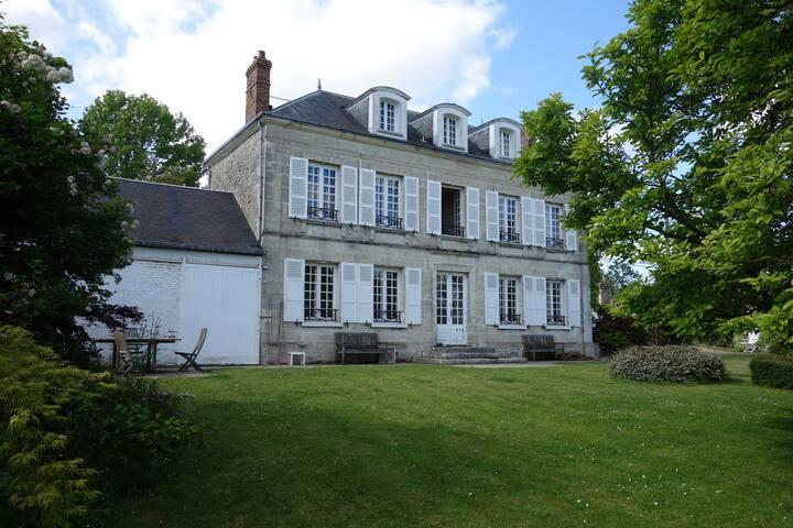 Maison de campagne - Montjavoult - House