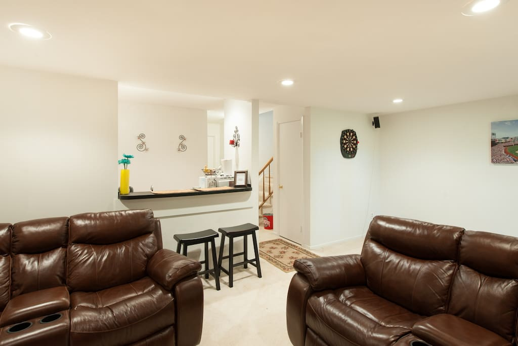 Spacious Basement Apartment Apartments For Rent In