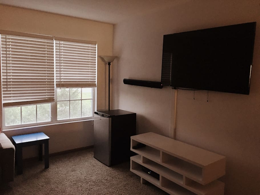 "Living Room & TV 55"""
