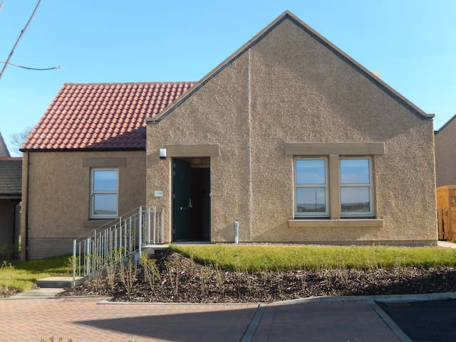 Kingsbarns cottage close to golf