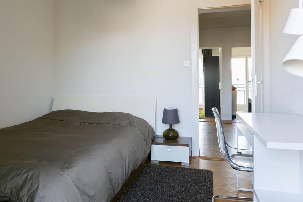 Belle Chambre Moderne : Belle chambre moderne avec balcon appartements à louer