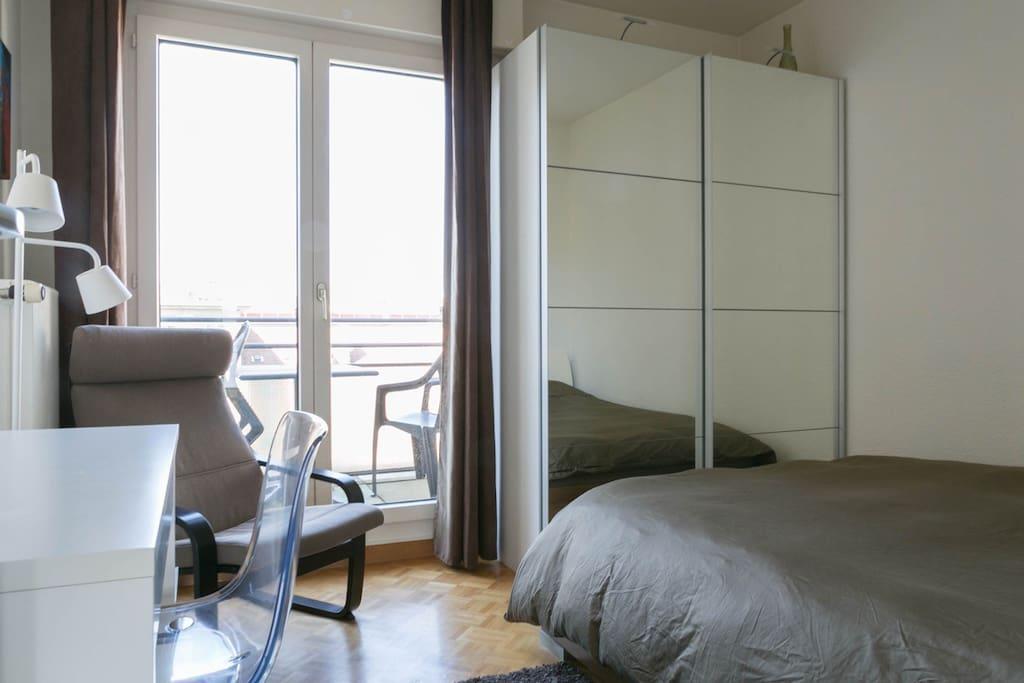 Belle chambre moderne avec balcon appartements louer carouge gen ve suisse - Chambre a louer a geneve ...