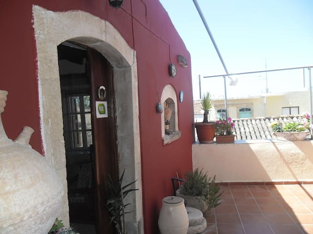 Rent Guesthouse rethymno-(PHONE NUMBER HIDDEN) - Margarites - อพาร์ทเมนท์