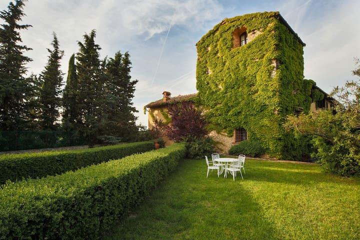 Tuscany 6 Bed Apartment & Pool - Tavarnelle Val di Pesa - วิลล่า