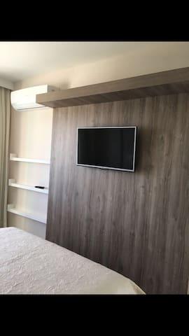 Painel  Tv quarto cama queen