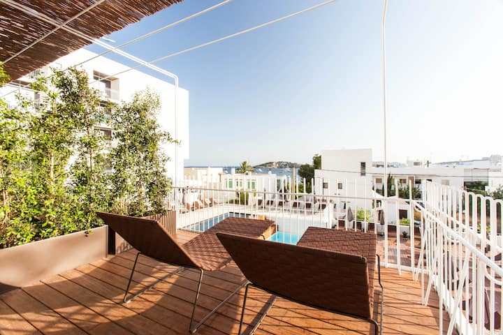 Deluxe Double Room with spacious Terrace at Hotel OD Talamanca *****