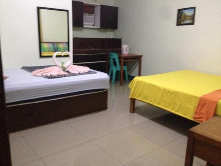 Tagaytay Budget Room  (C) - Family AC