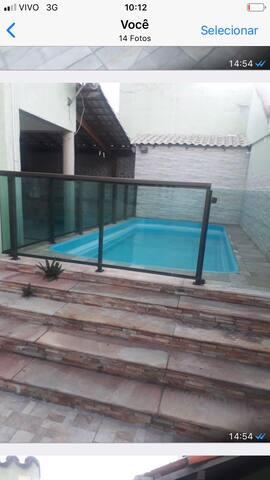 Casa de 2 andares com piscina