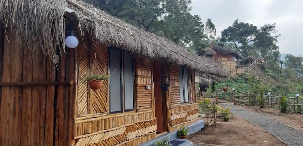 Brand New Independent Wood House Kanthalloor