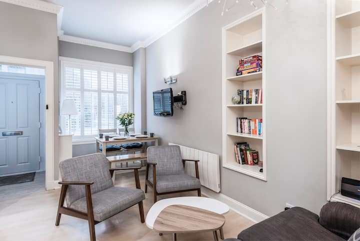 City Centre One Bedroom Apartment Double or Twin