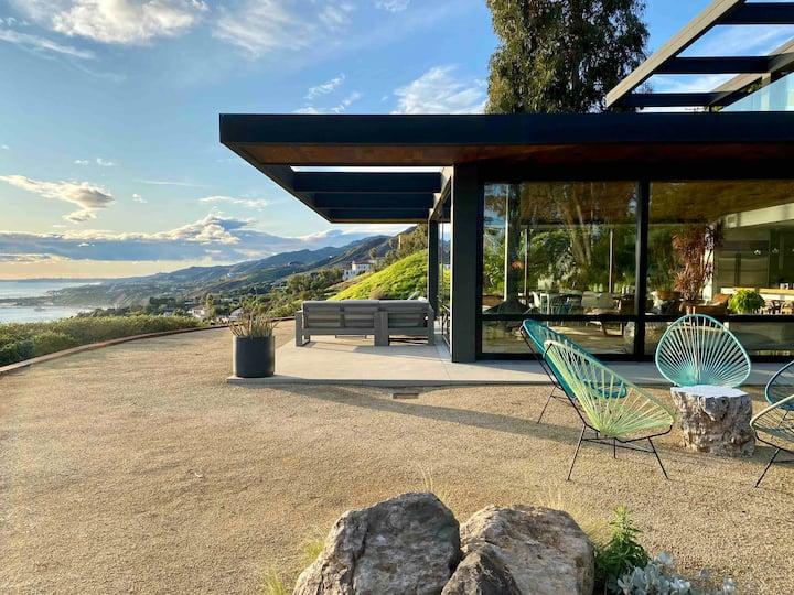 Malibu Mid-Century Modern Luxury retreat home