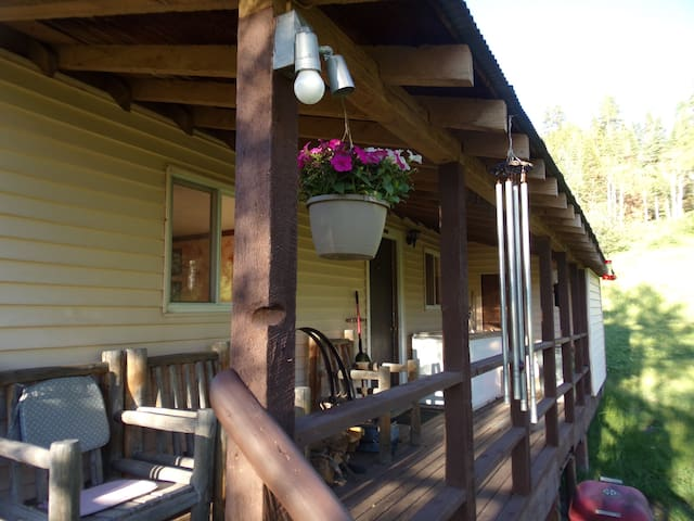 Welder Ranch cabin on the White - Meeker - Cabana