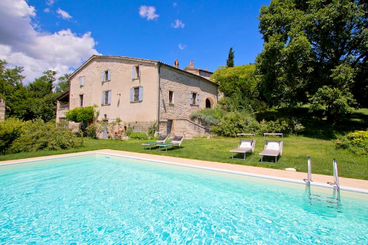Peaceful Holiday Home in Acqualagna with Swimming Pool
