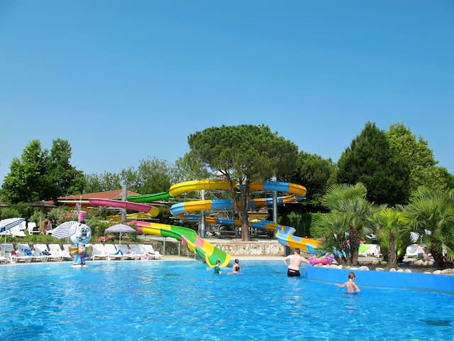 House Camping Bella Italia for 6 persons