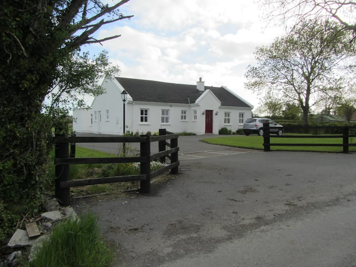 Ashtree Cottage, Centre of Ireland