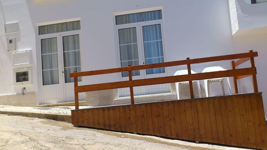 """""""Quartos do Seixe"""" Laranja - Odeceixe - Apartment"""
