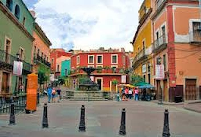 CENTRO HISTORICO DE LA CIUDAD  plaza del baratillo