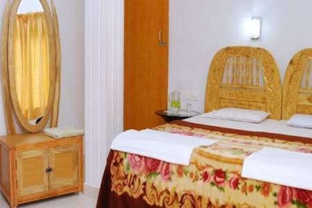 Pvt room at tranquilou homestay - Kumily