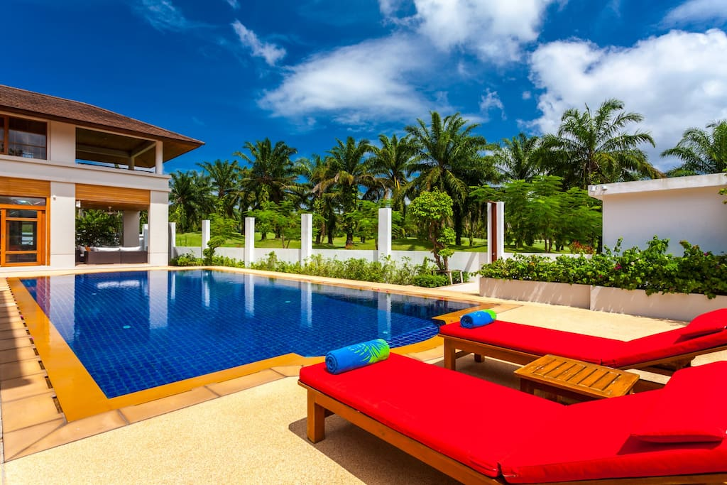 Natural and peaceful surroundings, yet only 12 minutes drive to Patong Beach and town