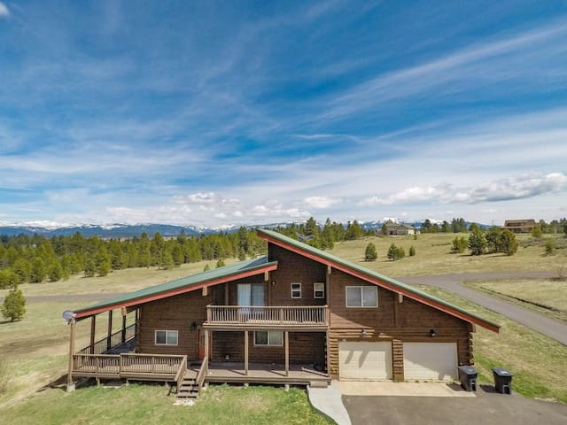 Moonridge McCall Cabin-sleeps 28