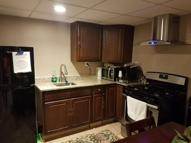 Newly renovated 2BR Great Location