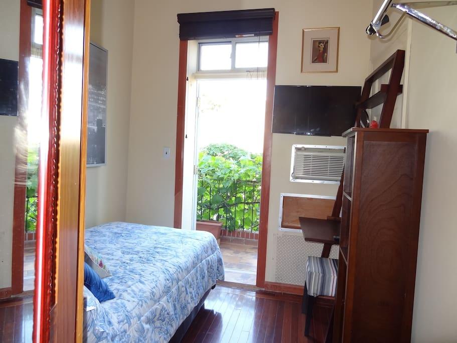 Sunny room close to midtown casas en alquiler en astoria for Aki kitchen cabinets astoria ny