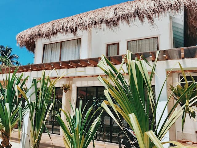 Siargao Hideout - Central Location!