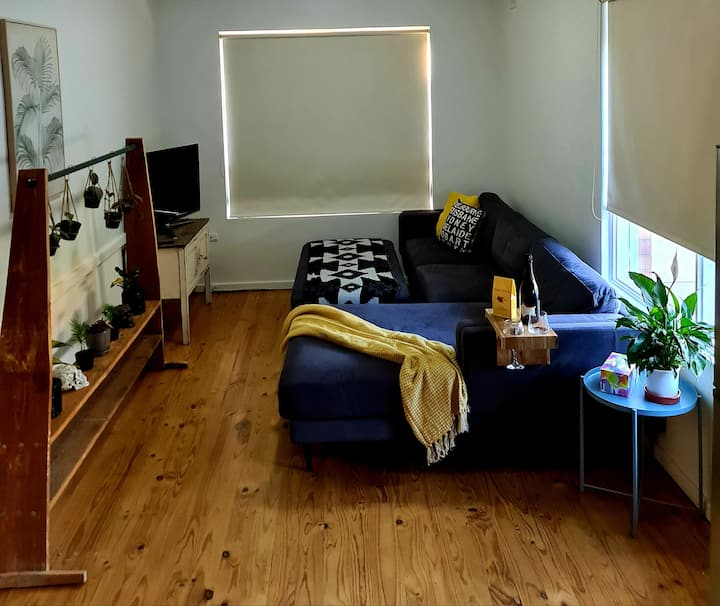 Great location Glenelg Close to shops & Jetty Road