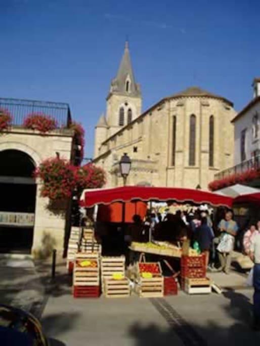Prayssac market