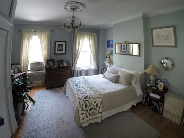 Historic Hoboken 4 Bedroom Brownstone - Hoboken - Rumah