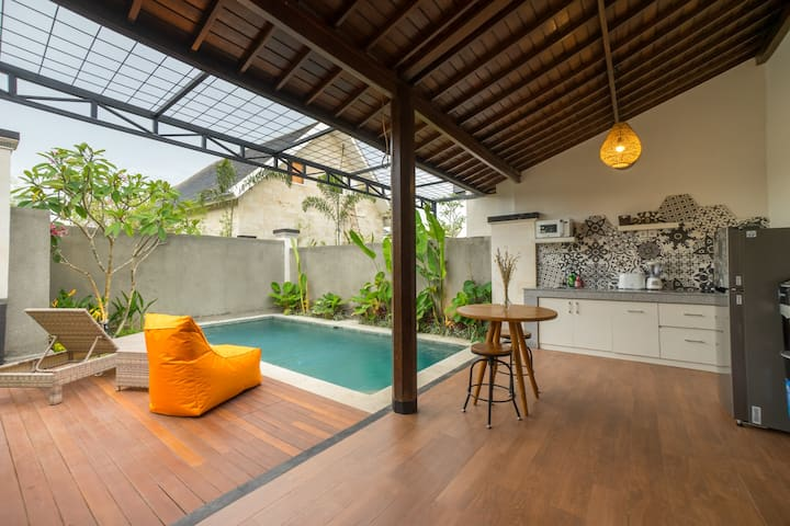 Charming  Cultural with Private Pool
