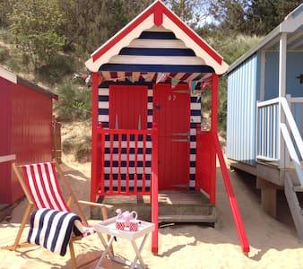 The Den, Beach Hut 82, Wells-next-the-Sea