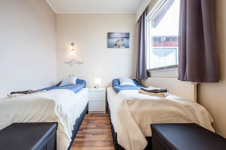 Single/Twin near Keflavik airport