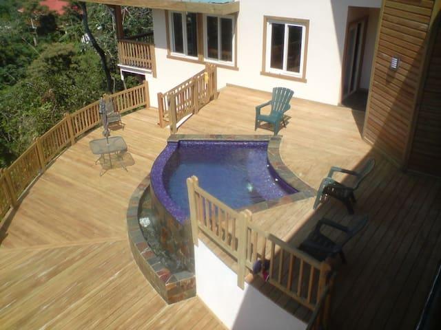 Casa Cerana - Roatan